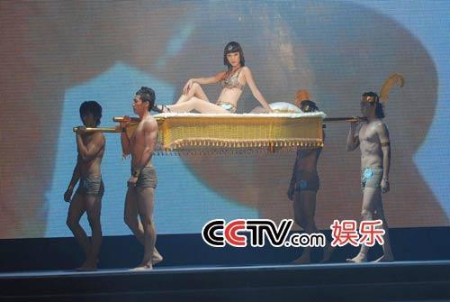 com-第八届cctv模特电视大赛:广西赛区泳装展示